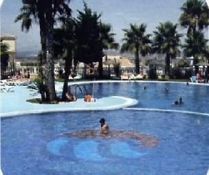 Monty-mar-pool-1