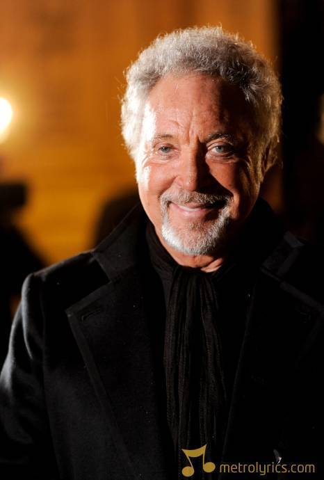 Tom-jones-london-england-november-17-sir-tom-jones-arrives-at-the-prin-106934032